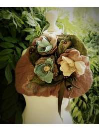 """In shells color"" Victorian bag"
