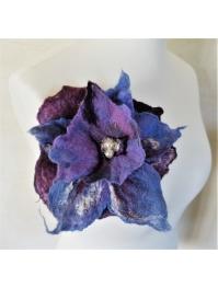 Brooch: purple in the sky