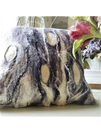 Pillow: we love gray